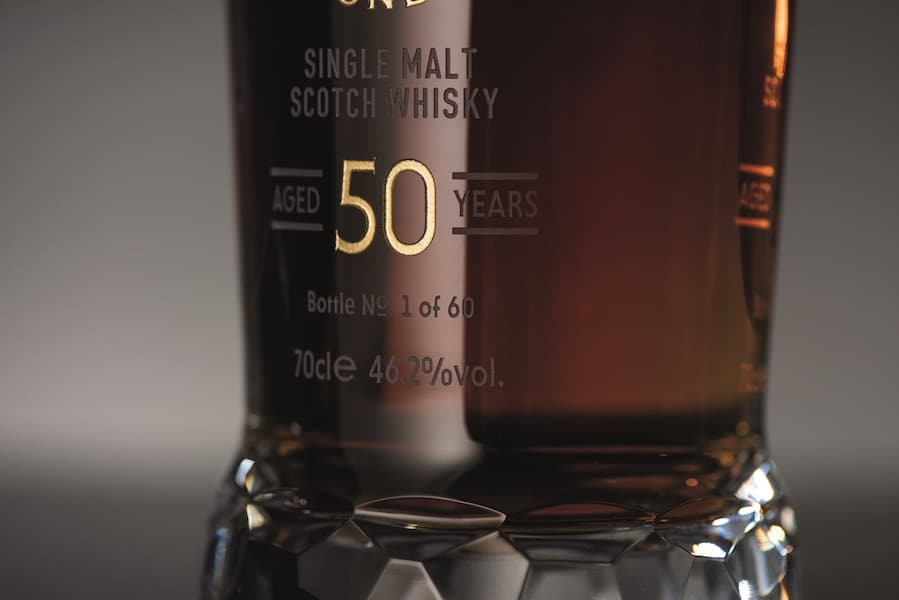Loch_Lomond_50_Year_Old_Decanter_Base