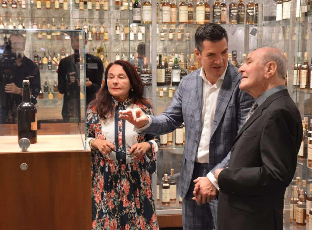 Signore Zagatti with Michel Kappen and his daughter.