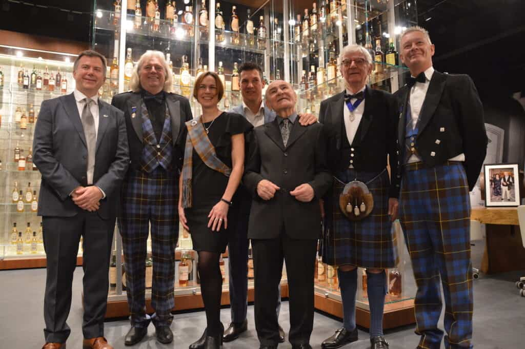 Signore Zagatti with Keepers (and one Master) of the Quaich.