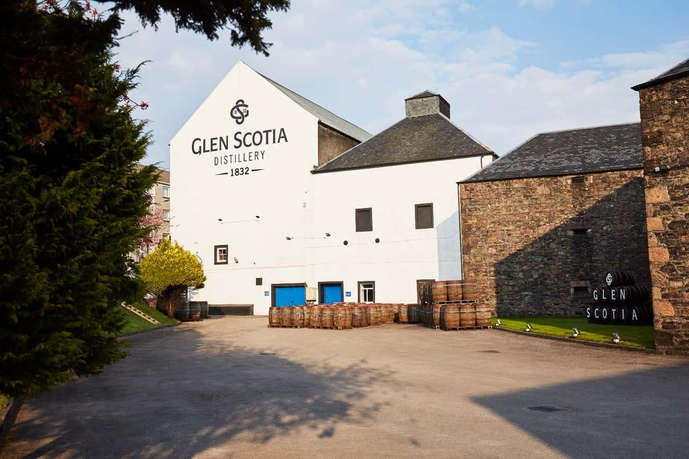 glen scotia distillery exterior 2